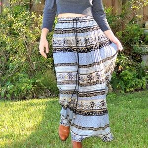 Sag Harbor long maxi patterned skirt.