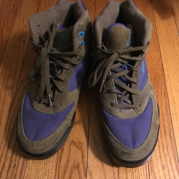 11efac2cde0c NIKE Hiking Boots Suede Vintage Caldera. M 59f4fb02b4188edf3a02b0f5