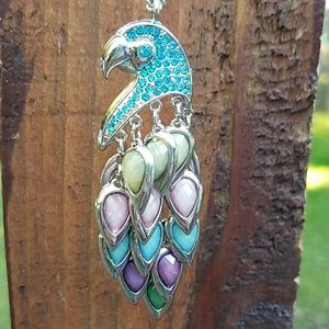 Jewelry - 🎉🎉🎉🎉SALE - Beautiful Peacock Necklace