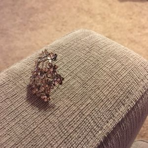 Forever 21 Jewelry - Floral designed ring