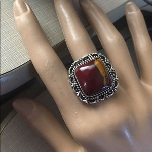 Jewelry - Beautiful vintage mookaite style artwork ring
