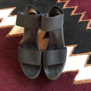 90's style elastic strap sandles