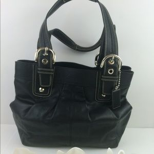 Coach hand bag black great condition