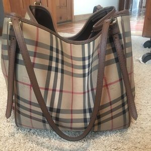 ba548a239801 Burberry Bags - Slightly used Burberry small Canterbury tote!
