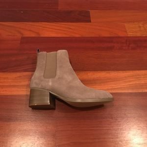 GAP Shoes | Nwt Suede Chelsea Boots