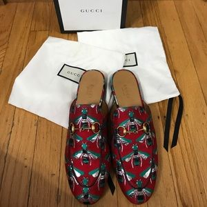 100% Authentic GUCCI bee print mules