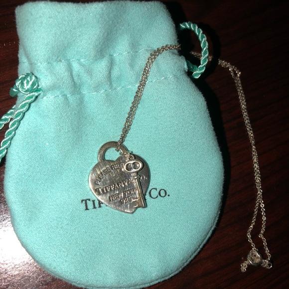 85baa04ed4c3 Tiffany   Co heart tag key necklace. M 59f540c6522b45e20903e9bf