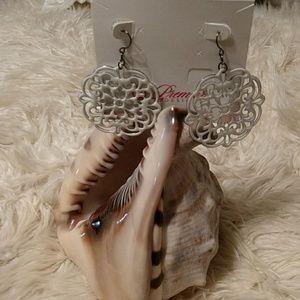 """Premier Designs """"Doily"""" earrings"""