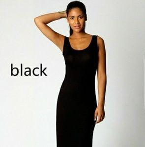 Dresses & Skirts - NWOT Black Maxi Dress