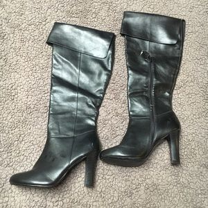 Black mid calf fold over boots NWOT size 5.5