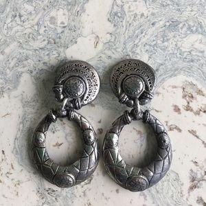 Jewelry - Vintage Silver Tone Metal Clip On Earrings