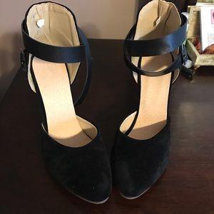 Shoes - Women's high heels