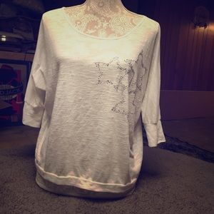 🌺bogo🌺F21 Top, white with stars loose fit