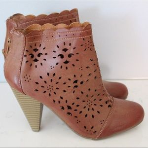 New Faux Brown Leather Country Booties - Size 7.5