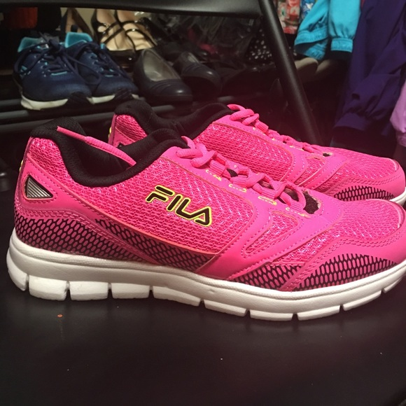 New Fila Sneakers 7.5 Hot Pink NWT