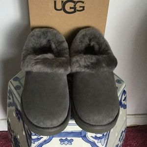 Shoes - 2 HR SALE New Authentic Ugg Shoes
