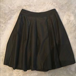 NWOT Sexy WHBM Black Midi Skirt w/ Side Pockets