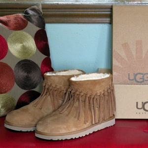 e7d4d1d9801 UGG Wynona Fringe Boot - NEW - Chestnut - Size 8 NWT