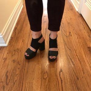 Super Comfy Divided Platform Sandals