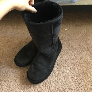 Shoes - Women's boots like UGG US size 10