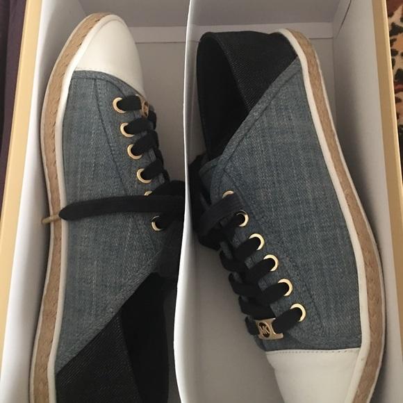 859714690219 Michael Kors   Used  Kristy Slide Lace-up Sneakers.  M 59f62cbf36d5942c3406b059