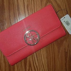 Guess Women/'s Kamryn Saffiano Multi Clutch Wallet