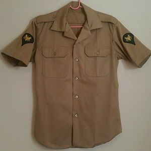Vintage United States Army Shirt w/patches
