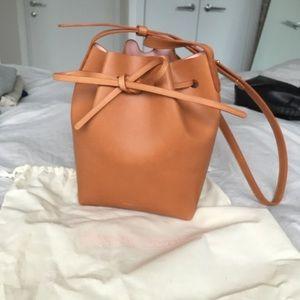 Mansur Gavriel mini bucket bag cammello/rosa