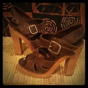Vintage Chloe leather sandal.