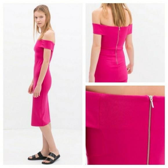 053172b4 Off the shoulder, body hugging pink dress. M_59f63dfd522b454c7c070cc8