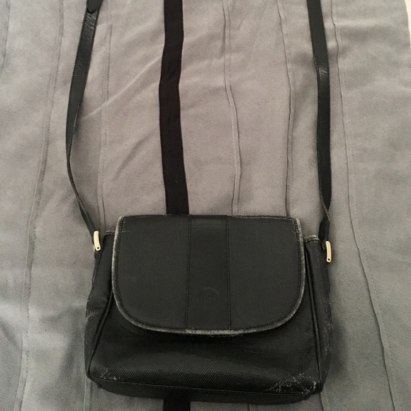 9bd52e85072 Fendi Handbags - 🔥CHRISTMAS SALE🔥Vintage Fendi Cross Shoulder Bag