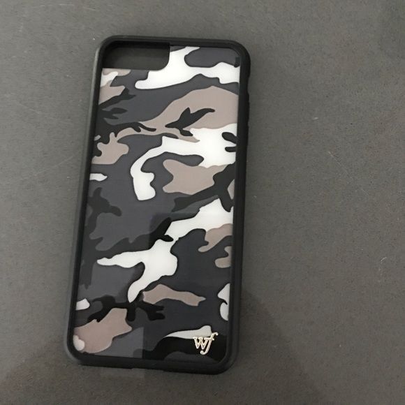 huge selection of 09440 a1286 Wildflower black camo plus case NWT
