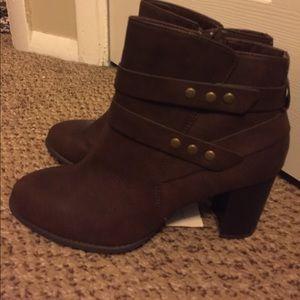 Brown chunky heel boots