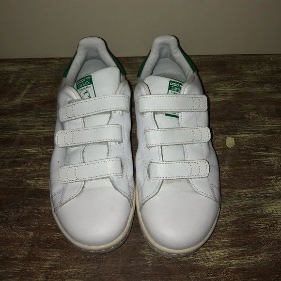 a6ac019af44b ... uk adidas stan smith velcro sneakers kids size 3 076be 843bb