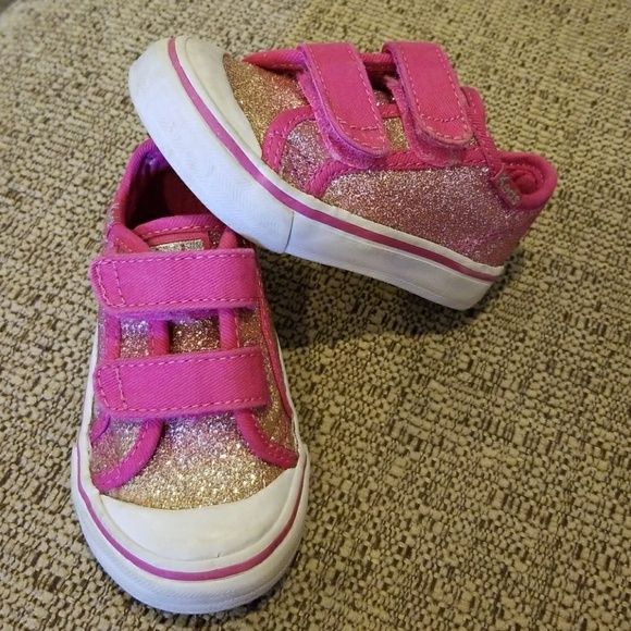 d0e3ff335f84 Keds Other - Keds sz 4 pink and gold glitter shoes