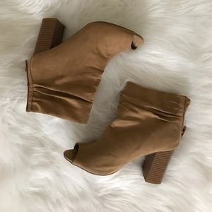 Chinese Laundry Tan Peep Toe Booties!