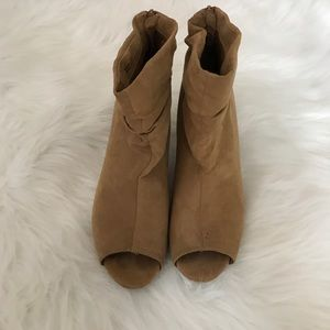 Chinese Laundry Shoes - Chinese Laundry Tan Peep Toe Booties!