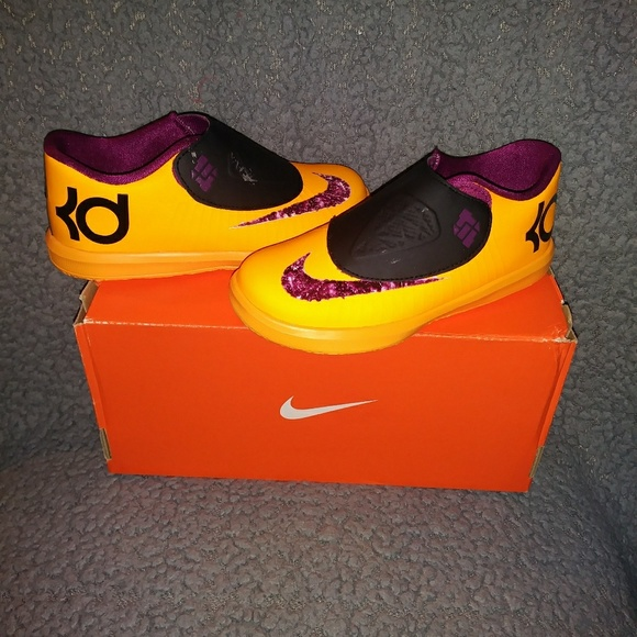 Girls 10c Nike Kevin Durants KD V1 gym shoes