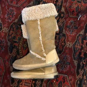Tory Burch shearling moccasin boots sz 7