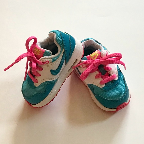 purchase cheap a557c a2e18 Nike Baby Size 4C Air Max SneakersWalkers. M5a14292aeaf03002f2018870