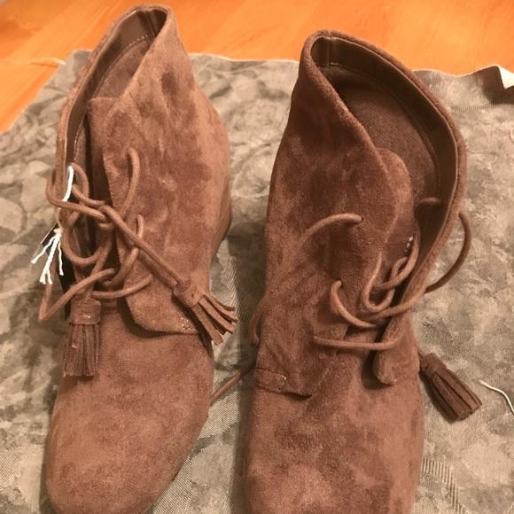3bdf2ebd9fd3 Dr. Scholl s Shoes - NWOT Dakota wedge bootie.