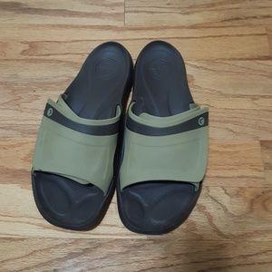 Men's Crocs ~Size 11