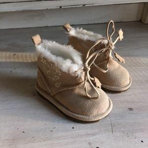 Baby Gap boots sz: 3