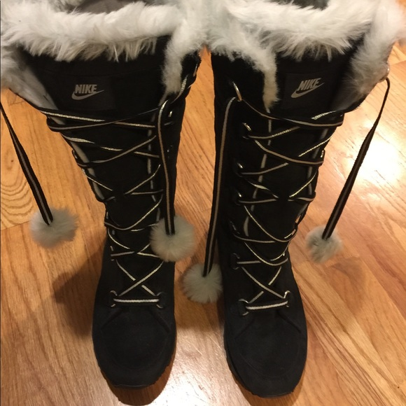 aaf31f3d4c Nike winter boots women s sz 9. M 59f690372599fe3ddb08d581