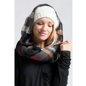 Accessories - New hooded infinity blanket scarf