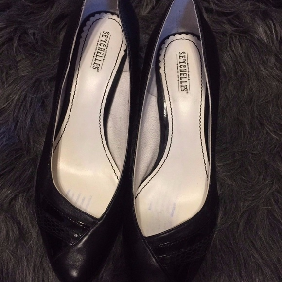 18578f2fe9 Seychelles Shoes | Black Leather Shiny Pointy Toe Heels | Poshmark