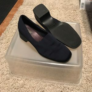 Navy Expressions Footwear