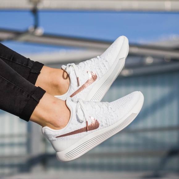 outlet store 37a36 b1857 Women s Nike Lunarepic Low Flyknit 2 X-Plore