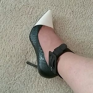 Accessories - Gorgeous Ankle Buckle's / Sell Out Fast