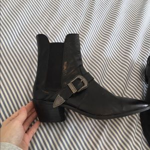 04f623b0b99 Zara black leather cowboy boots size 37